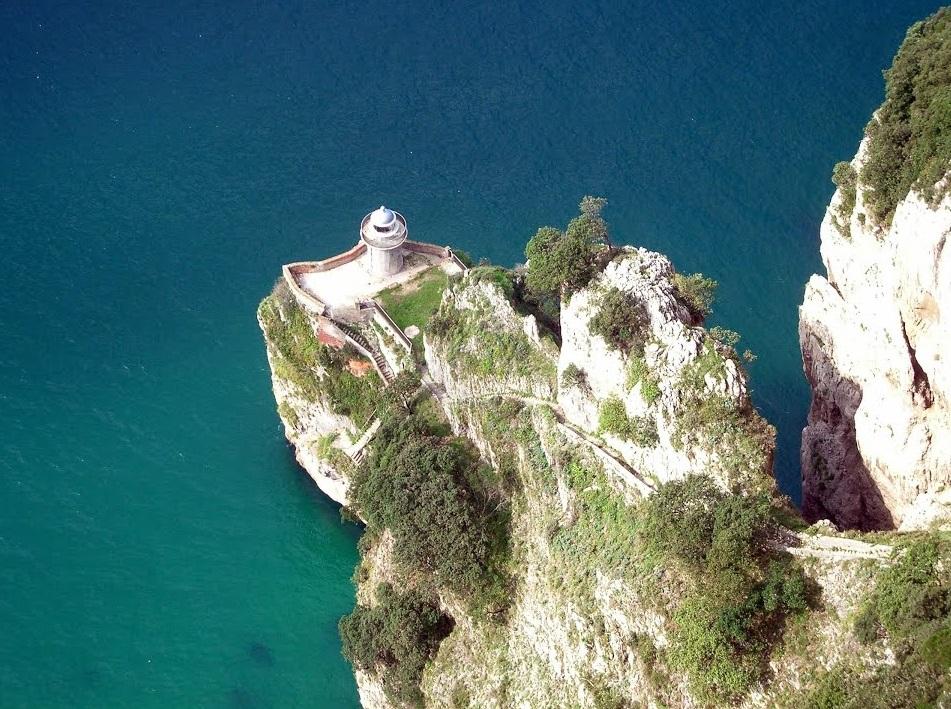 El Faro del Caballo de Santoña