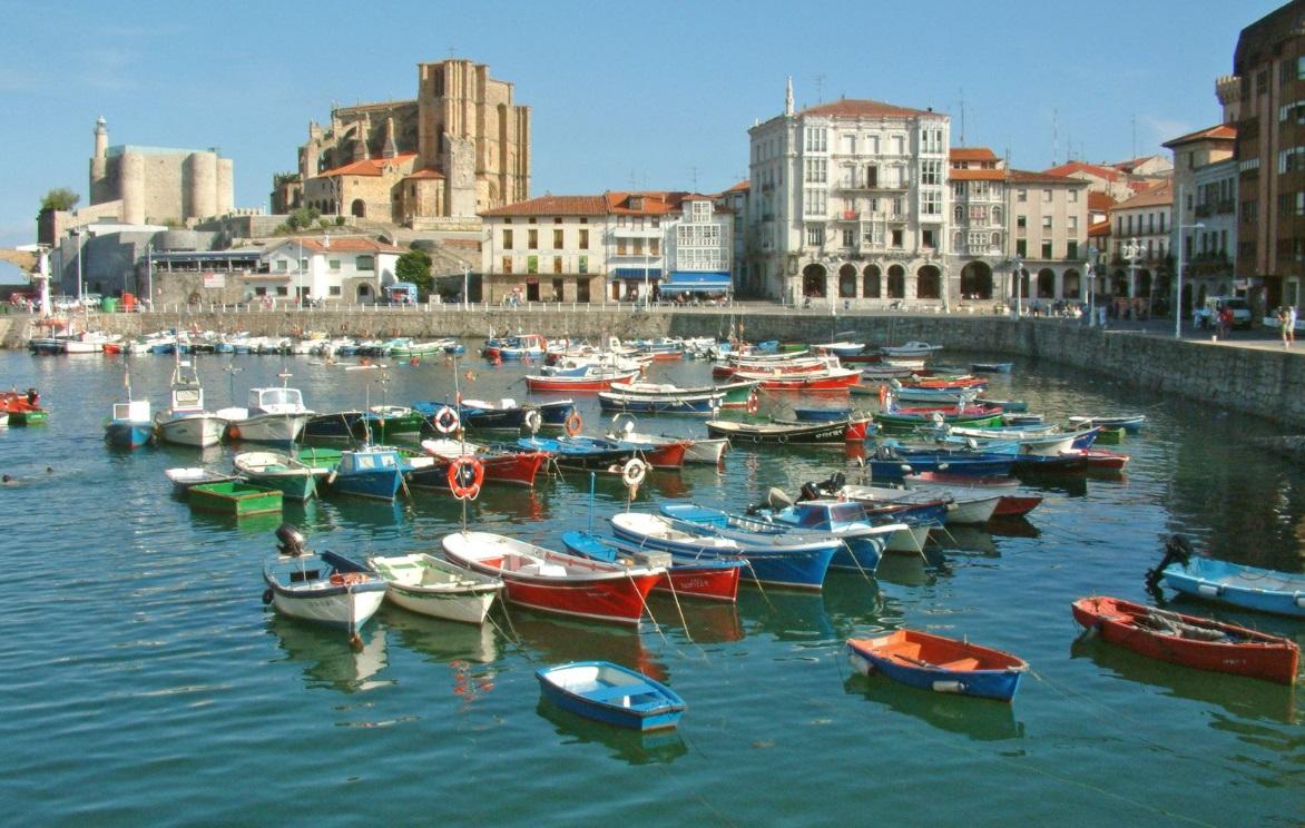 La ciudad portuaria de castro urdiales
